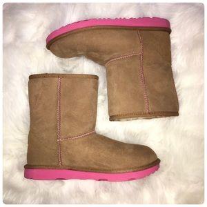 💫 NWOB Classic Ugg's Boots 💫